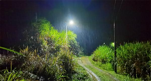 农村太阳能路灯与普通路灯相比有何优势?